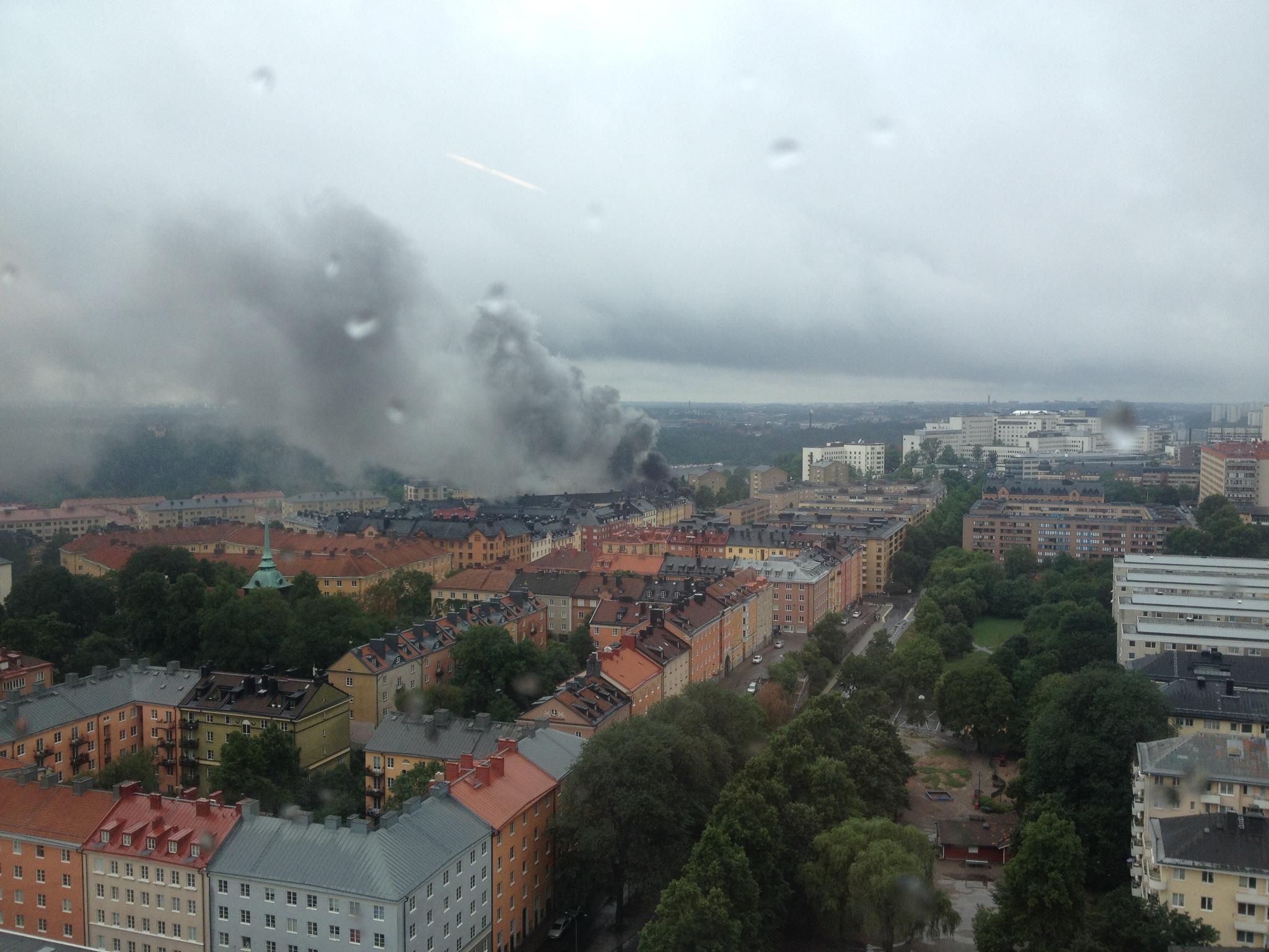 Dack exploderade pa stadsbuss