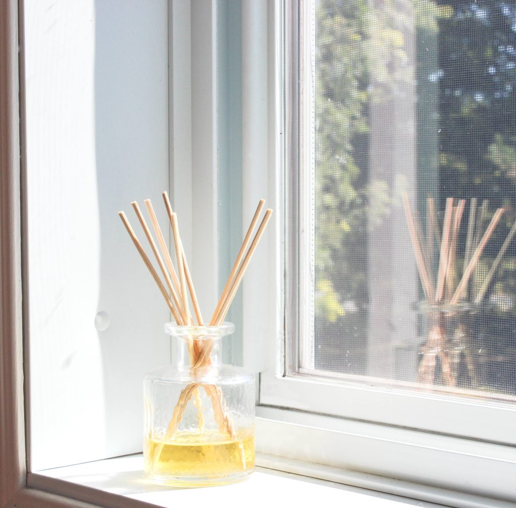 how to scent your home naturally