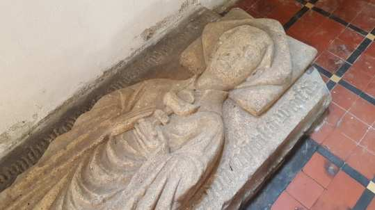 Effigy depicting John Boneworth