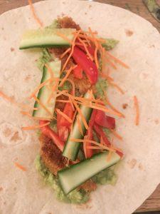 Vegan wrap met krokante schnitzel