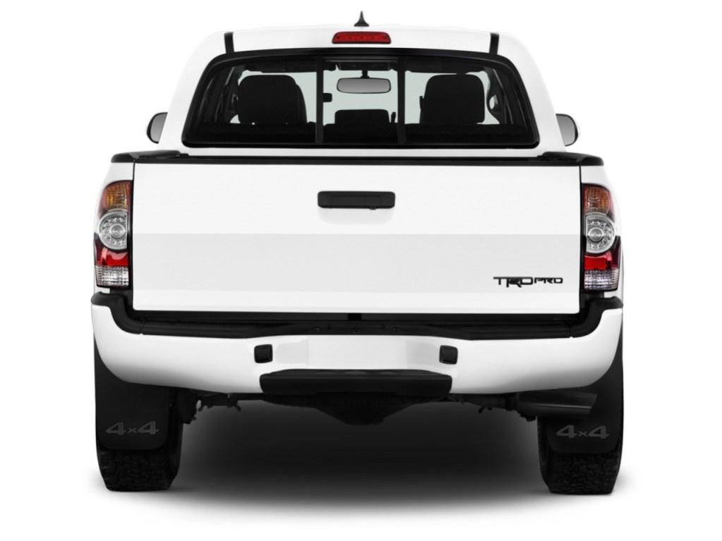 Comparison - Toyota Tacoma Double-cab TRD PRO 2015 - vs ...
