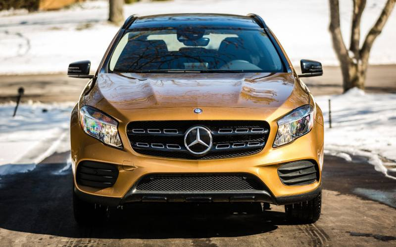 Comparison Mercedes Benz GLA Class GLA250 2018 Vs