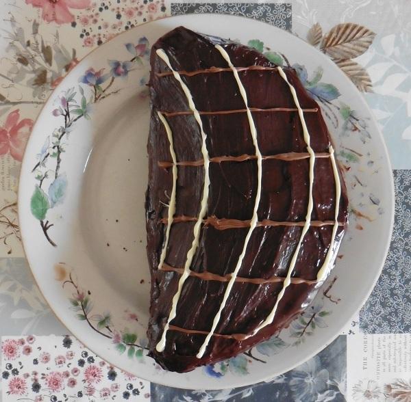 Chocolade taart eigeel af