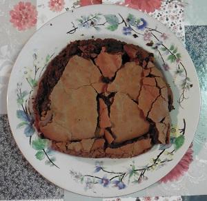 Chocolade taart eiwit de halve taart rond gemaakt