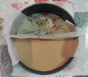 Chocolade taart melk mousse op de 2de taart laag