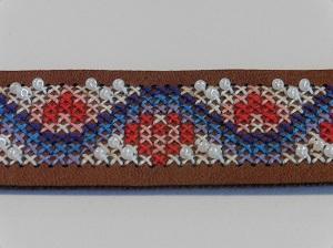 Borduurarmband wit met kraaltjes patroon