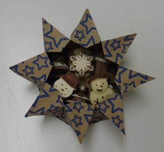 kerstchocolaatjes-in-origami-sterschaal