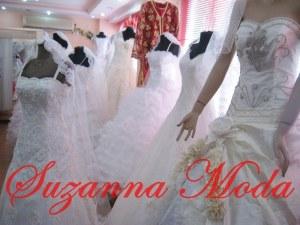 Modellerimizin tamamı suzannamoda tarafından tasarımı yapılmaktadır.Sitemizde yabancı firmalardan alıntı resim bulunmamaktadır.
