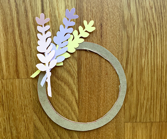 happy day. mini wreath beginning