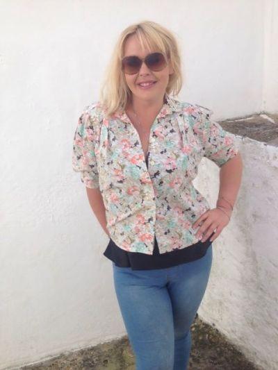 liz flowery blouse