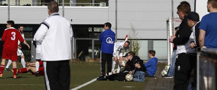 Aktive Herren: Knapp verpasst – Aktive Frauen: Souverän trotz Chancentod - Fußballverein im Saarland