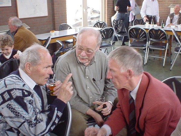 Willem Augustin in gesprek met Rinus en Piet