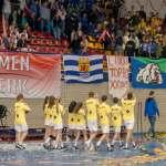 Velocitas B1 bedankt het publiek op het NK zaalkorfbal 2019