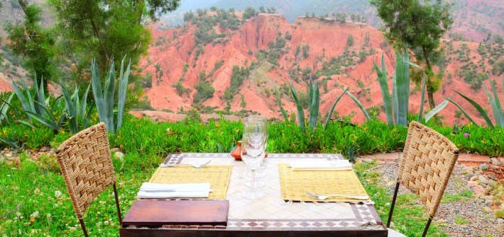 i-escape complementary wine_travel guide_travel_kasbah bab ourika_ourika valley_where to stay in morocco_best of morocco_africa_luxury experience_lunch_outdoor_red mountains_nature copy