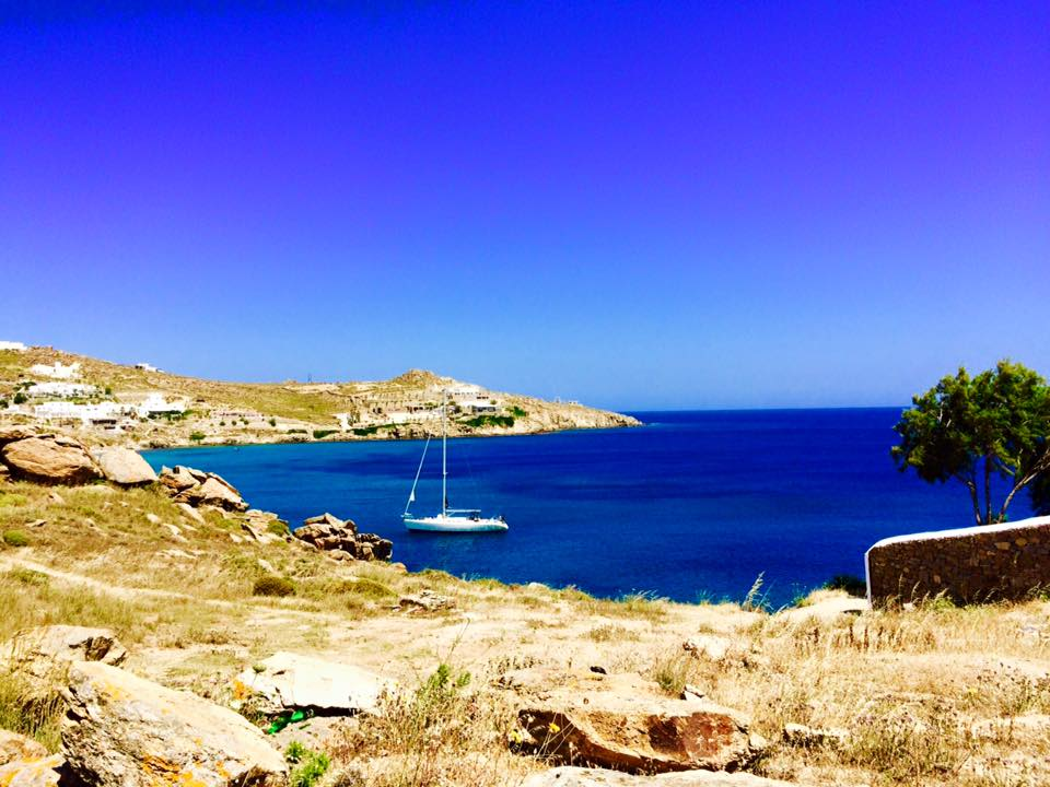 Travel Guide to Mykonos_What to do_Where to Stay_Mykonos Island_Greece_3 day itinerary_blog_PAradise beach_sail boat_ocean_cliffs_party island_yacht party