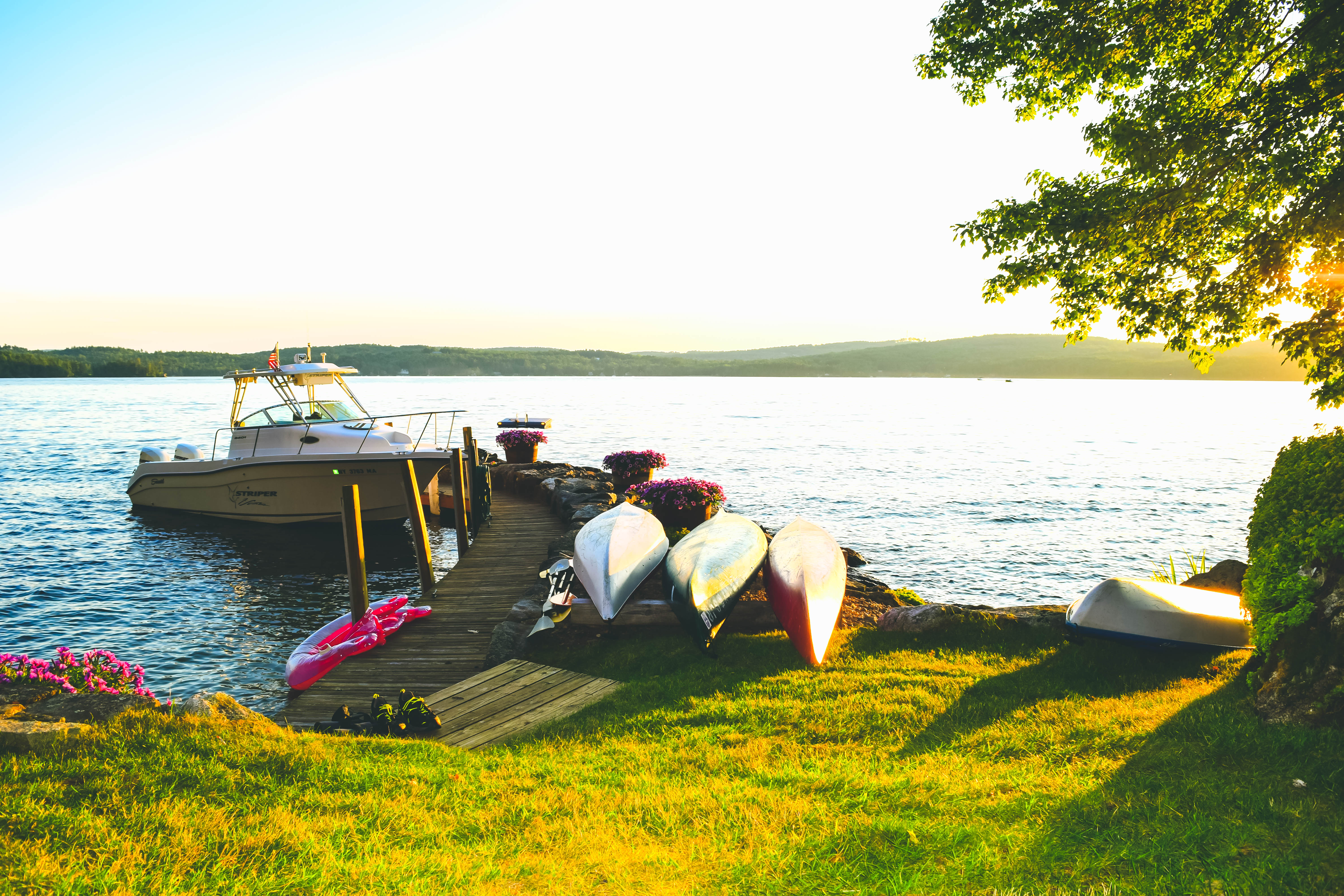 Lake Winnipesaukee_New Hampshire_Travel Guide_What to do_What to See_sunset_lake house_sun_beautiful_photography