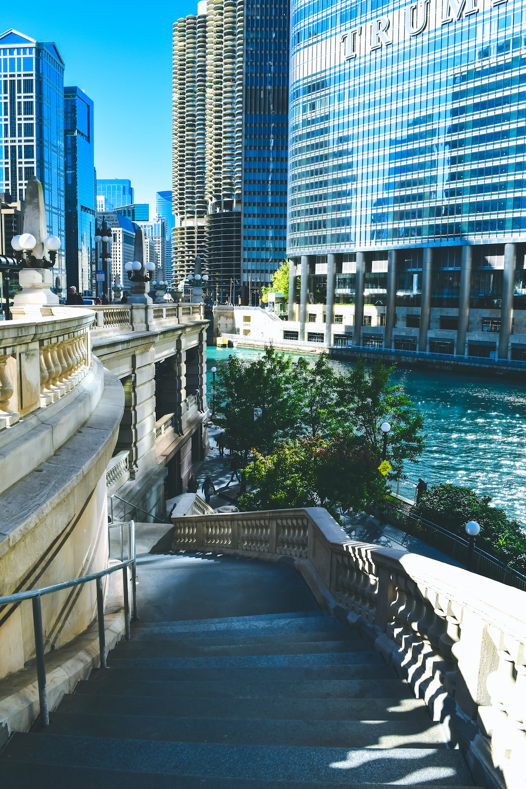 A First Timers Weekend City Guide to Chicago Riverwalk Chicago River Travel guide to chicago illinois blog what to do what to see where to go 3 days-11