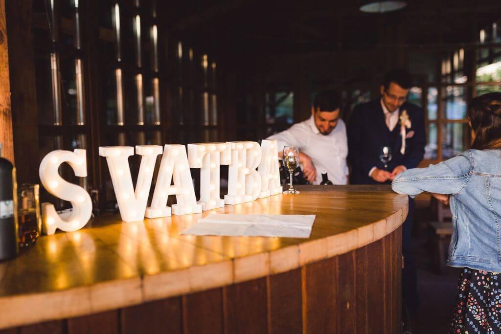 světelný nápis na svatbu