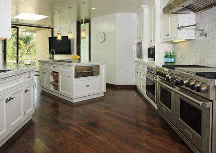 diagonal pattern wood floor for kitchen