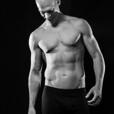 body, shoot, foto, shoot, thuis, sander, spieren, body, lichaam, belichting, strobisme, sven, fotografie, wildschut, mobiele studio