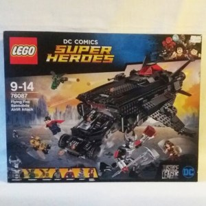 Lego Batmobil-Attacke