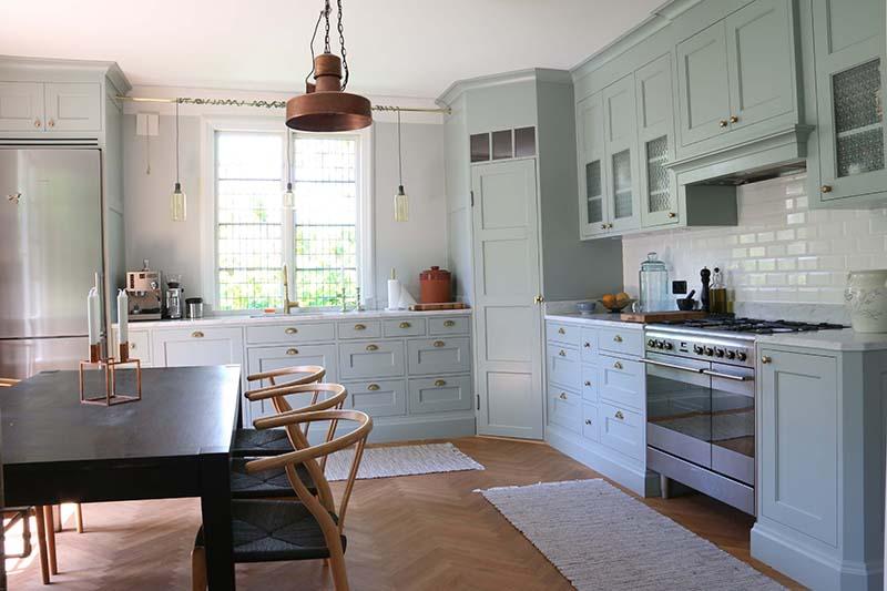 Ett unikt kök i en äldre charmig lägenhet.