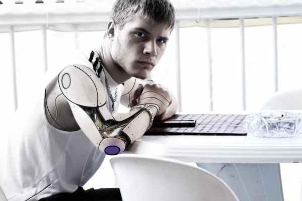 """""""Kakva nas budućnost čeka sa robotima?"""" 1"""