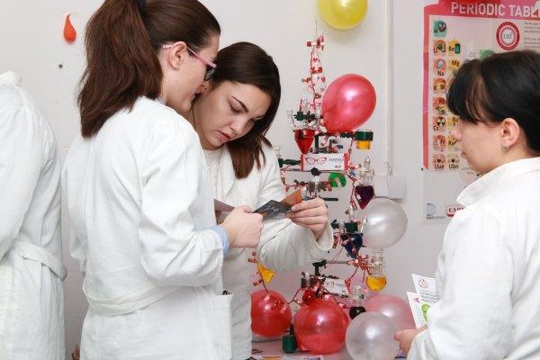 Održana Novogodišnja laboratorijska žurka na PMF-u 6