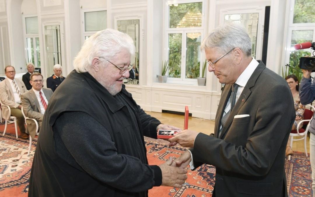 Bernd Svetnik erhält das silberne Ehrenkreuz für Verdienste um die Republik Österreich