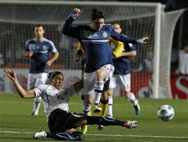 Lionel-Messi-Argentina-Uruguay-1-1-pen-4-5