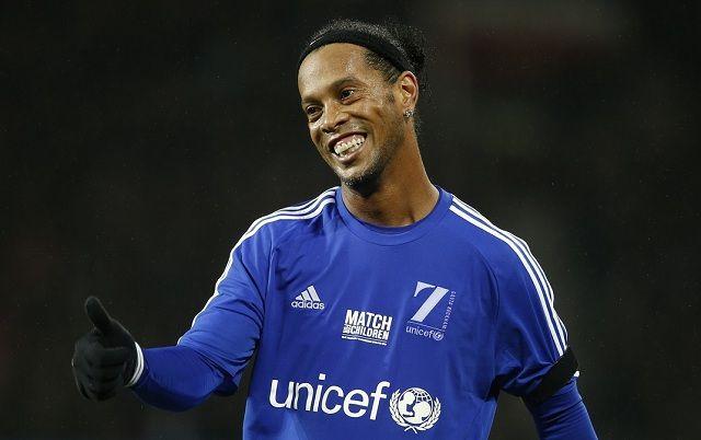 Stigla nova ponuda za Ronaldinha iz Premier lige!