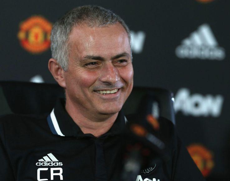 Mourinho nosio majicu sa Ranierijevim inicijalima
