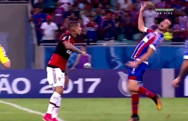 Brazilski nogometaš dobio crveni karton zbog najgoreg i najsmješnijeg simuliranja u svijetu nogometa ikada