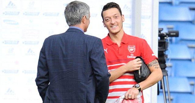 Reakcija Mourinha na pitanje da li će dovesti Mesut Ozila u Manchester United