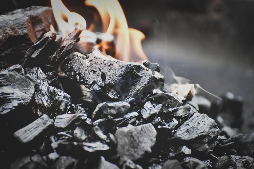 Fire Flame Wood Burn Heat Hot  - Alexas_Fotos / Pixabay