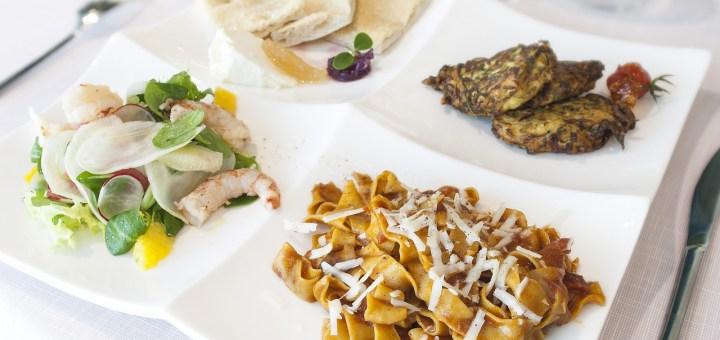 Restaurant Chef Cook Food  - lapleiade / Pixabay