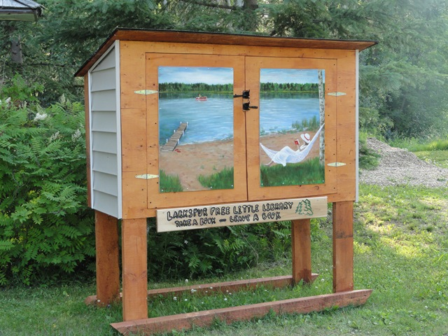 larkspur-free-library