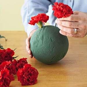 Поделки, букеты и игрушки из живых цветов своими руками