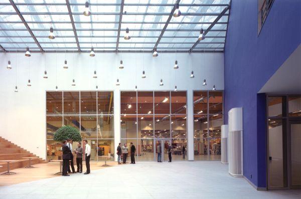 Kantoorgebouw met productiehal Punch Intrnational (XEIKON), Lier