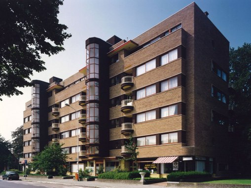 ELSDONCK<br><span style='color:#31495a;font-size:12px;'>Residential apartment complex</span>