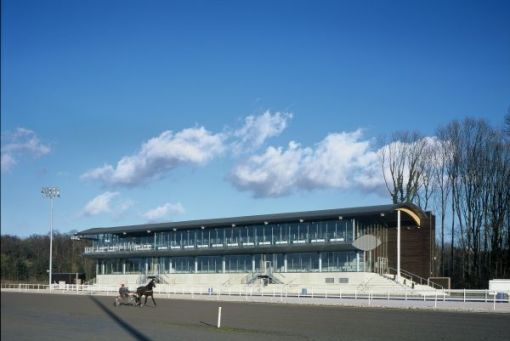 HIPPODROME DE WALLONIE<br><span style='color:#31495a;font-size:12px;'>Hippodroom </span>
