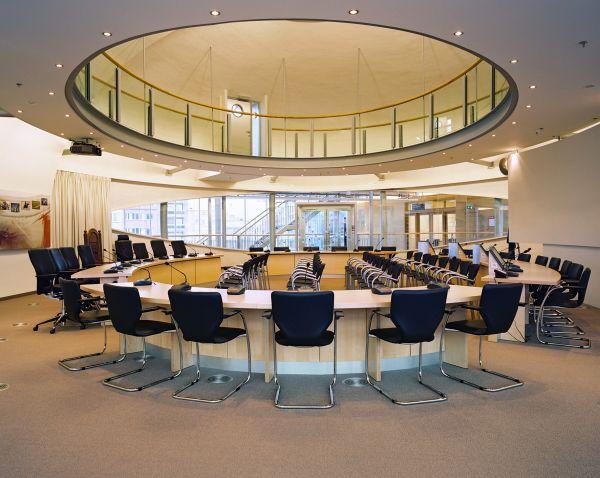 Nieuwbouw gemeentehuis Koksijde, kantoorgebouw en project ontspanning SVR-ARCHITECTS