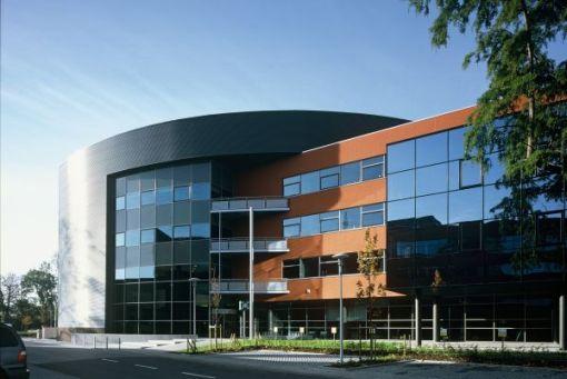 OPENBARE VERVOERMAATSCHAPPIJ DE LIJN<br><span style='color:#31495a;font-size:12px;'>Kantoorgebouw, parking </span>