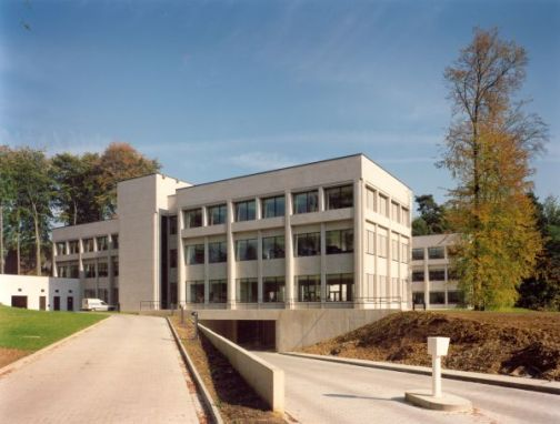 DOW CORNING<br><span style='color:#31495a;font-size:12px;'>European headquarters </span>