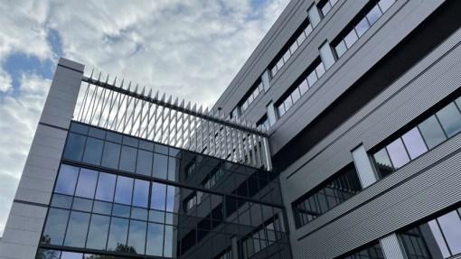 UNIVERSITAIR ZIEKENHUIS ANTWERPEN (UZA)<br><span style='color:#31495a;font-size:12px;'>Uitbreiding ziekenhuis (Gebouw Q)</span>