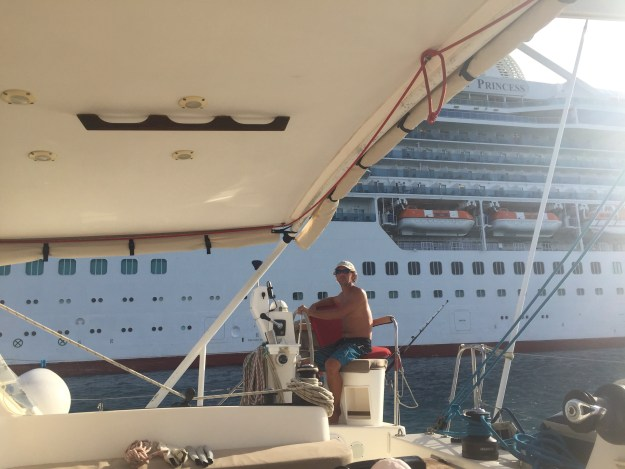 Passage between cruise ship and reef