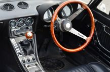Alfa Spider interior - outstanding