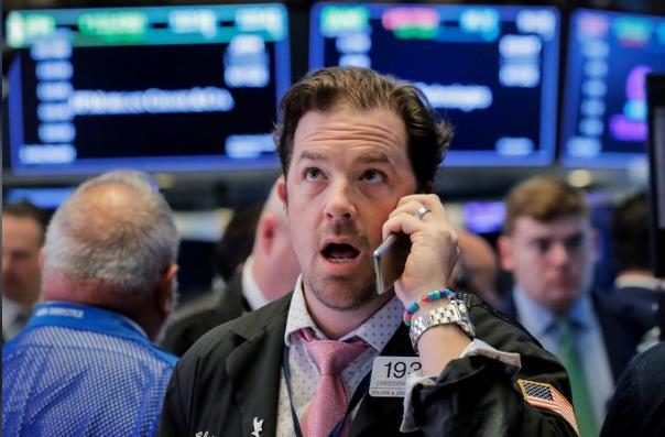 الاسهم الامريكية تهوي بسبب تقارير شركات التكنولوجيا المخيبه للأمال