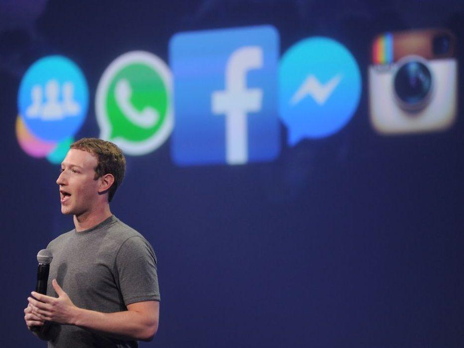 بلاك بيري تقاضي الفيس بوك بسبب الاستيلاء على ابتكاراتها ، والاخيرة تتهكم