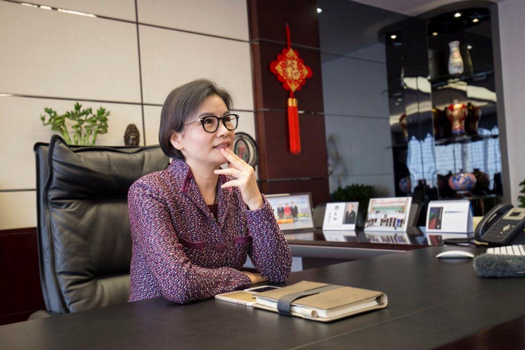 قائمة أغنى النساء في عالم التكنولوجيا : الاولى أرملة مؤسس التفاحة 1